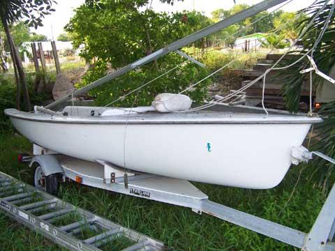 Hunter JY15 sailboat