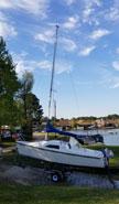 1991 Hunter 18.5 sailboat