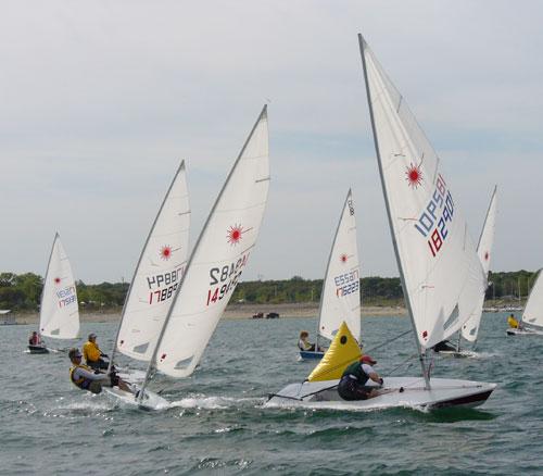 Doug Peckover follows Jonathan Baker around the windward mark