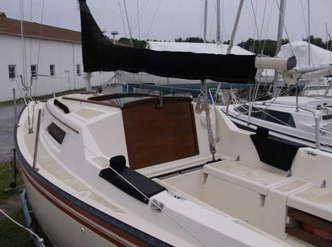 Hunter 22, 1983 sailboat